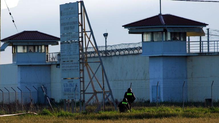 Φυλακές Τρικάλων : Νεκρός κρατούμενος μετά από συμπλοκή | tovima.gr