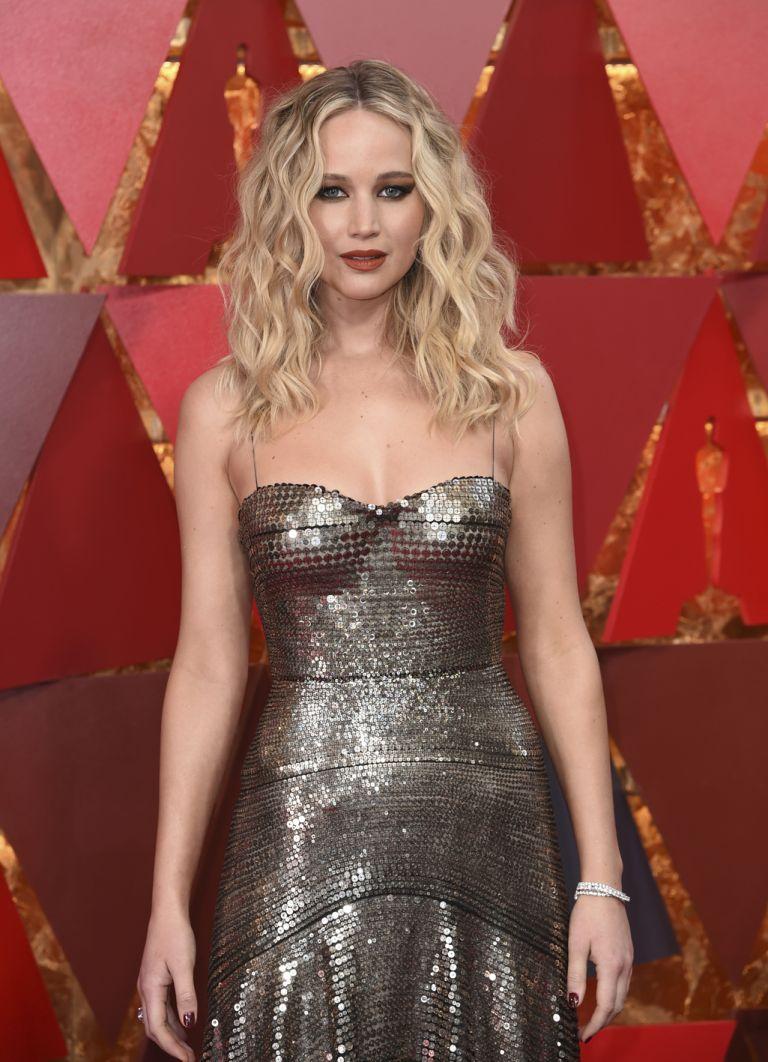 Το χρυσοφόρο brand Jennifer Lawrence | tovima.gr