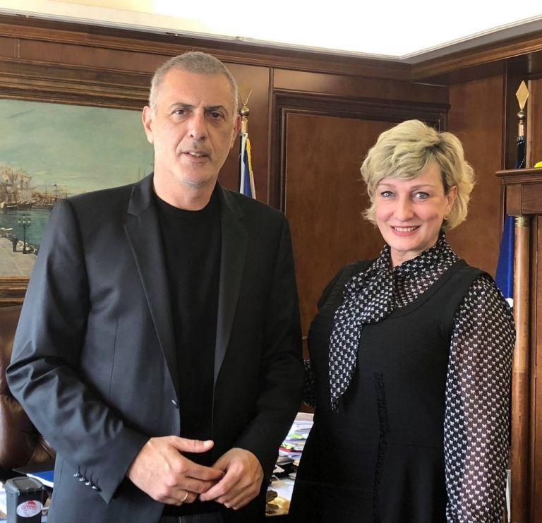 Δύο νέες υποψήφιες με τον Γιάννη Μώραλη και τον συνδυασμό «Πειραιάς Νικητής» | tovima.gr