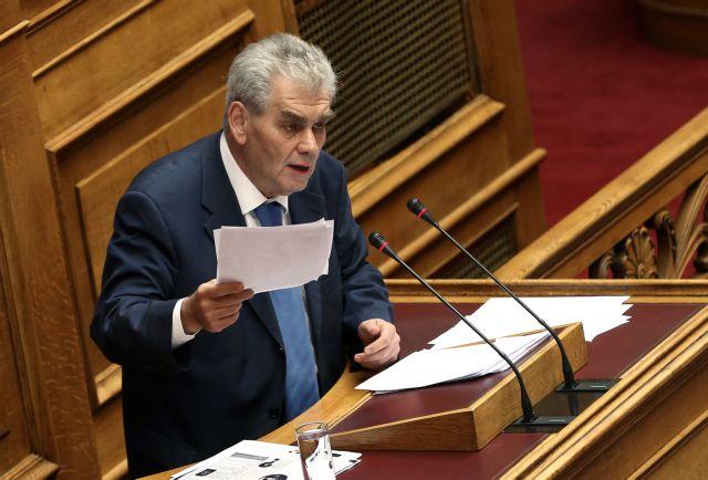 Παπαγγελόπουλος καλύπτει πλήρως Ξεπαπαδέα και Πετσίτη | tovima.gr