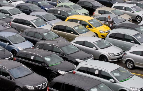 Σε δημοπρασία 55 οχήματα από… €200 – Δείτε τη λίστα | tovima.gr