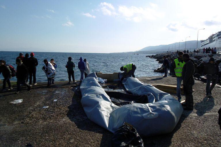 Διασώθηκαν 42 πρόσφυγες ανοιχτά της Σάμου   tovima.gr