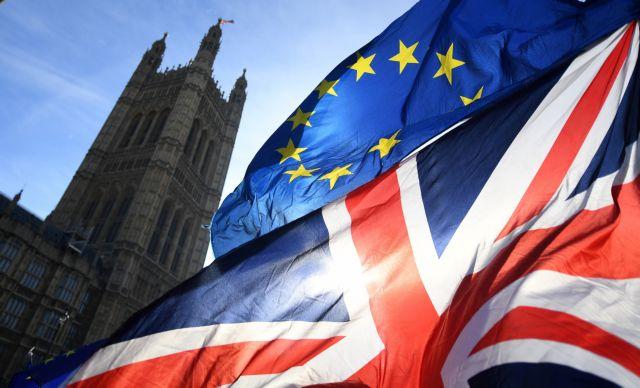 Brexit: Πυρετώδεις οι συνομιλίες κυβέρνησης – Εργατικών | tovima.gr