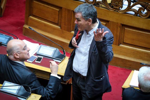 Πυρ ομαδόν από ΝΔ για την σκανδαλώδη τροπολογία για τις ιπποδρομίες | tovima.gr