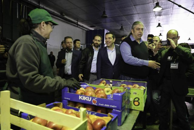 Tsipras announces farmers' education network in Velvento, blasts IMF | tovima.gr