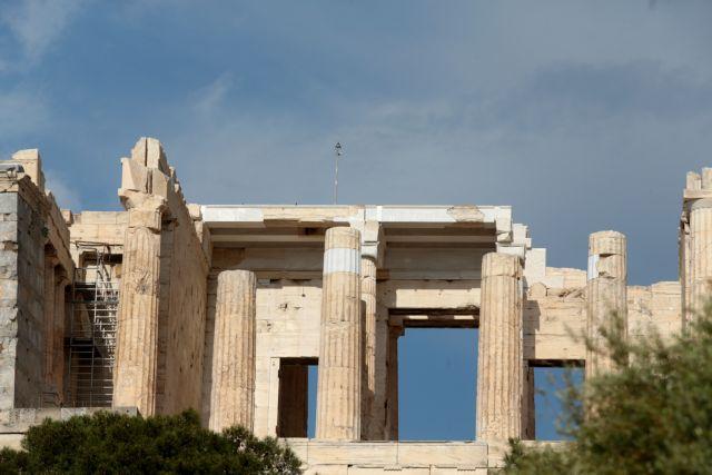 Έκλεισε η Ακρόπολη για λόγους ασφαλείας μετά την πτώση του κεραυνού | tovima.gr