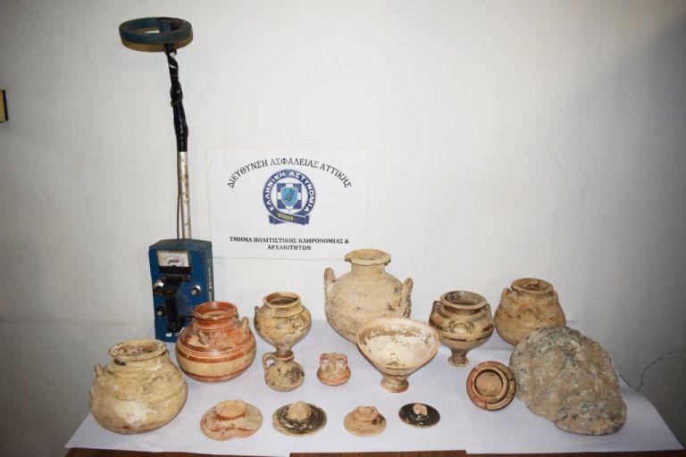 Μεσσηνία: Σύλληψη αρχαιοκάπηλων | tovima.gr