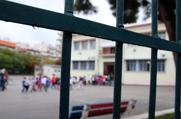Θρίλερ στην Πεύκη με απόπειρα αρπαγής 12χρονης έξω από σχολείο | tovima.gr