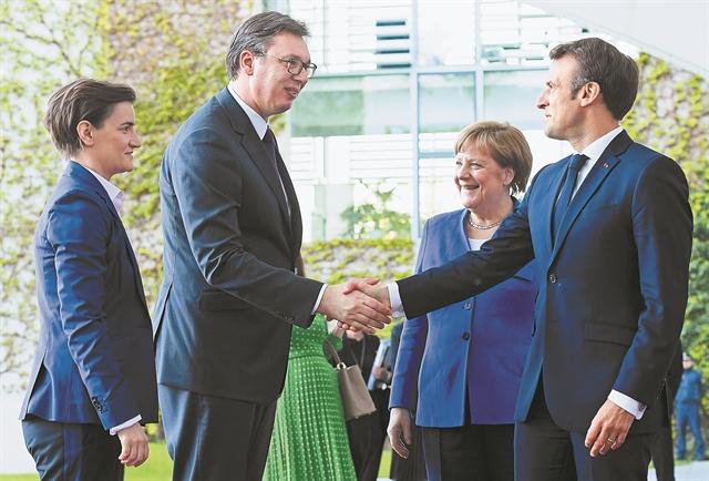 Μέρκελ – Μακρόν ψάχνουν διέξοδο για το «βαλκανικό κουβάρι»  | tovima.gr