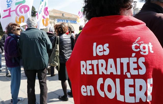 Γαλλία: σύνταξη από τα 62 στα 64 χρόνια προτείνει η εργοδοσία | tovima.gr