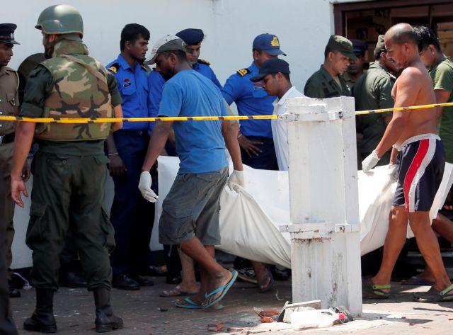 Σρι Λάνκα: Σταύρωση αντί για… Ανάσταση με 156 νεκρούς από τις επιθέσεις σε εκκλησίες και ξενοδοχεία | tovima.gr