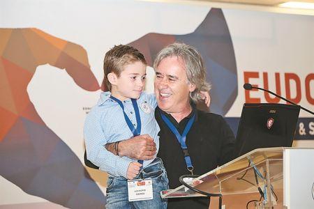 Δωρεά οργάνων: Μήνυμα καρδιάς από τον μικρό Αλέξανδρο   tovima.gr