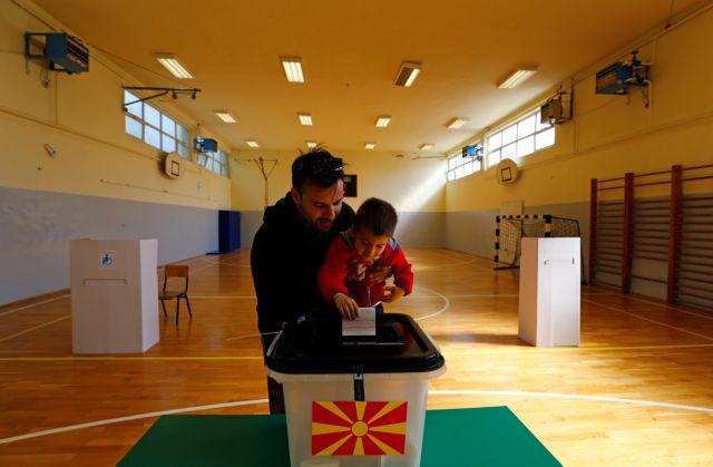 Βόρεια Μακεδονία: Όλα δείχνουν β' γύρο στις προεδρικές εκλογές, «νίκησε» η αποχή | tovima.gr
