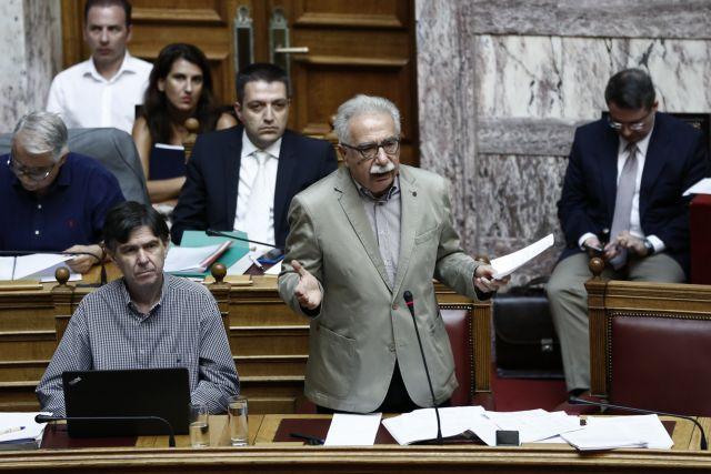 Βουλή: Ειρωνείες Γαβρόγλου σε ΝΔ και ΚΚΕ   tovima.gr