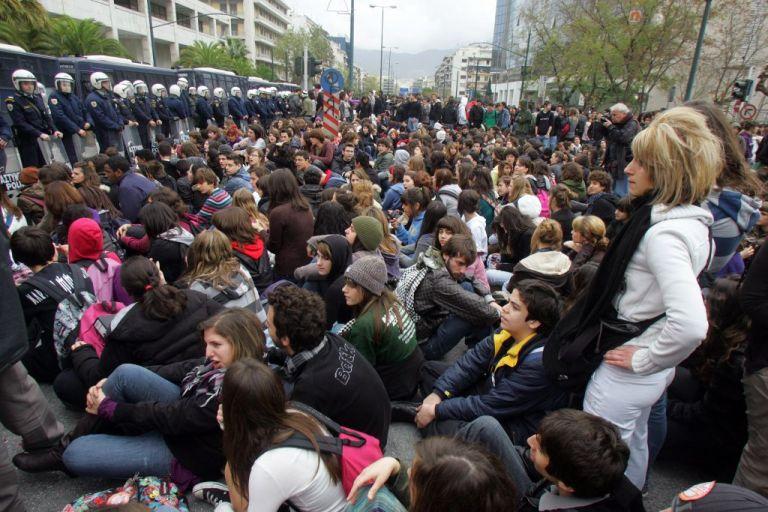 Στην Βουλή το σ/ν Γαβρόγλου – Στους «δρόμους» οι μαθητές | tovima.gr