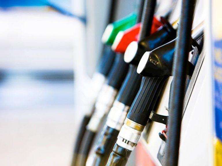 «Φωτιά» η τιμή της βενζίνης μέσα στο Πάσχα | tovima.gr