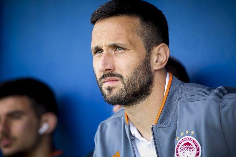 Ολυμπιακός : Ο Βούκοβιτς τραγουδούσε «θρύλε ολέ» στον πάγκο   tovima.gr