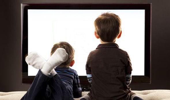 ΠΟΥ: Λιγότερες οθόνες και περισσότερο παιχνίδι για παιδιά κάτω των πέντε ετών | tovima.gr