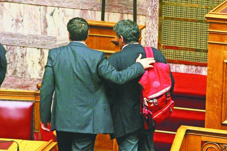 Ανοίγουν το πουγκί των παροχών για τις κάλπες | tovima.gr
