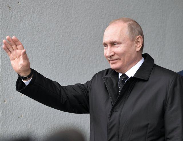Πούτιν: Ρωσικά διαβατήρια στους κατοίκους της ανατολικής Ουκρανίας | tovima.gr