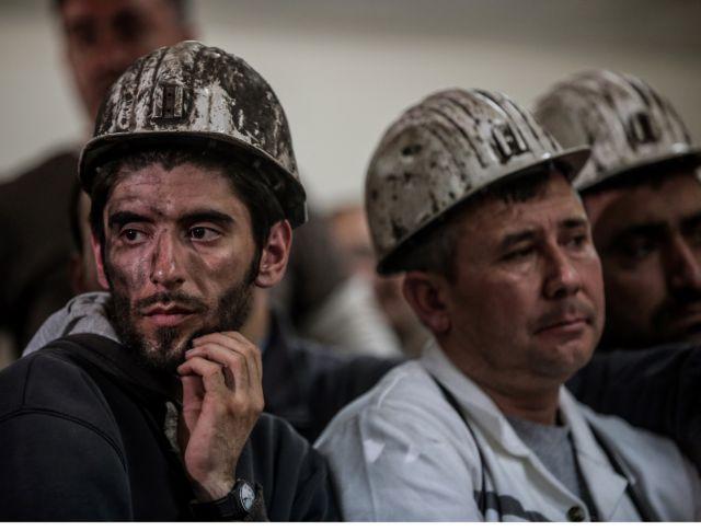 Ουκρανία: Τρεις νεκροί και 14 αγνοούμενοι από έκρηξη σε ανθρακωρυχείο | tovima.gr