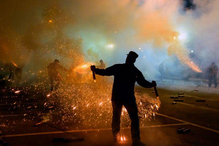 Ματωμένος σαϊτοπόλεμος στην Καλαμάτα : Αυτός είναι ο άτυχος εικονολήπτης | tovima.gr