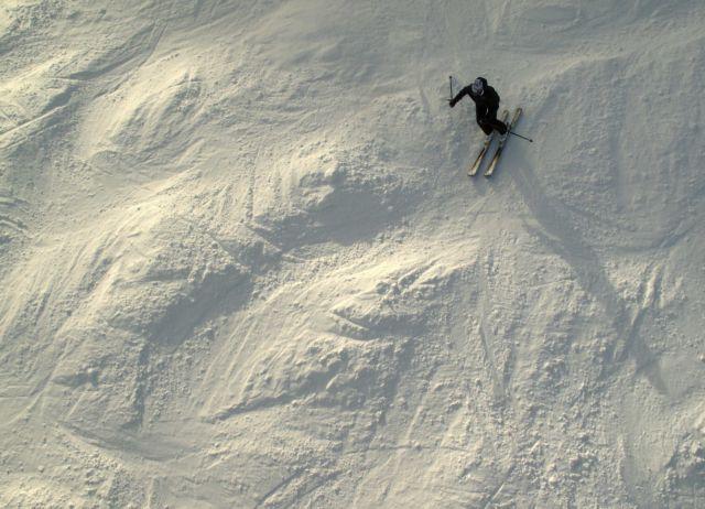 Ελβετία: Τέσσερις σκιέρ σκοτώθηκαν από χιονοστιβάδα | tovima.gr