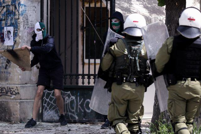 Σκηνικό έντασης στο Πολυτεχνείο μετά τα συλλαλητήρια για την εργατική Πρωτομαγιά | tovima.gr