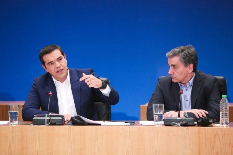 Εκλογές τον Ιούνιο «δείχνει» η άμεση χορήγηση 13ης σύνταξης | tovima.gr