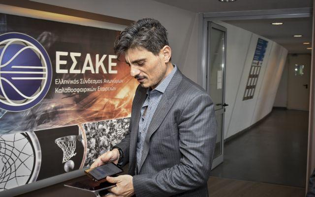 Γιαννακόπουλος : «Δεν λέγομαι Αγγελόπουλος, μην με προσβάλλετε» | tovima.gr