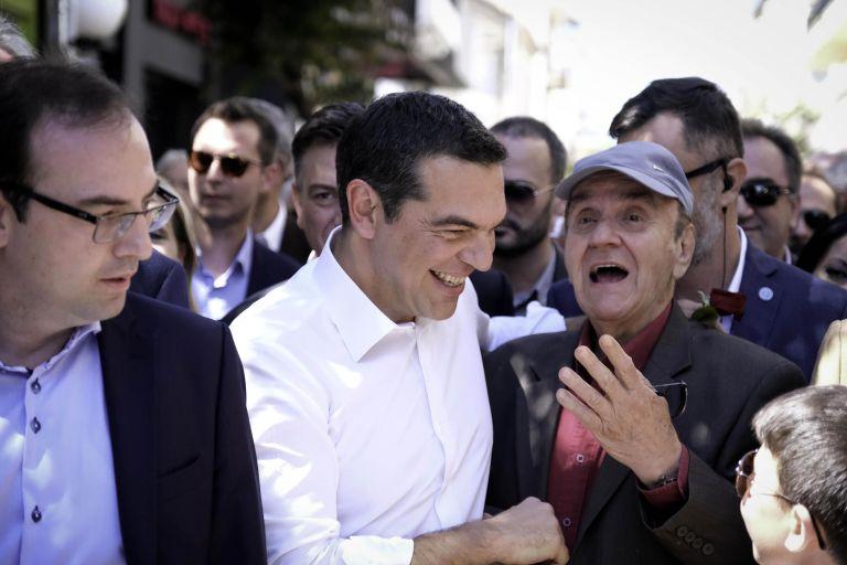 Υποσχέσεις Τσίπρα για «νέα μέτρα ελάφρυνσης των πολλών στο τέλος του χρόνου» | tovima.gr