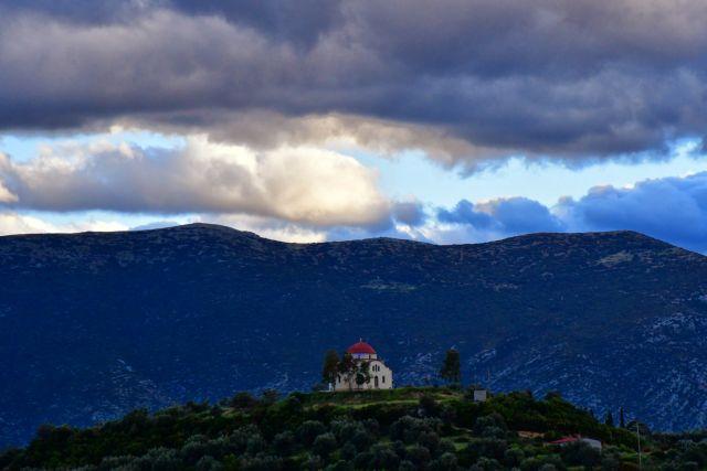 Καιρός: Ζεστός και βροχερός το Σάββατο | tovima.gr