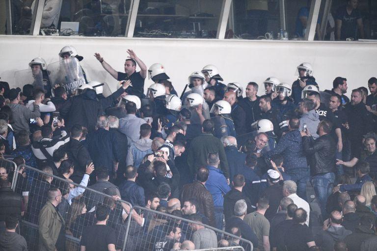 «Εξυγίανση με αναβάθμιση των χούλιγκαν σε VIP» | tovima.gr