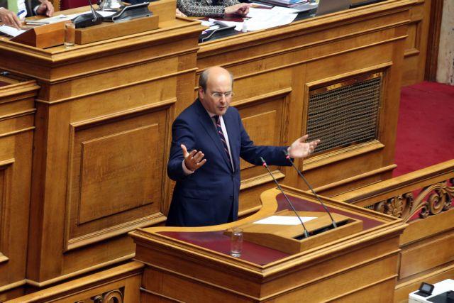 Χατζηδάκης: Η κυβέρνηση επιστρέφει πολύ λιγότερα από όσα πήρε | tovima.gr