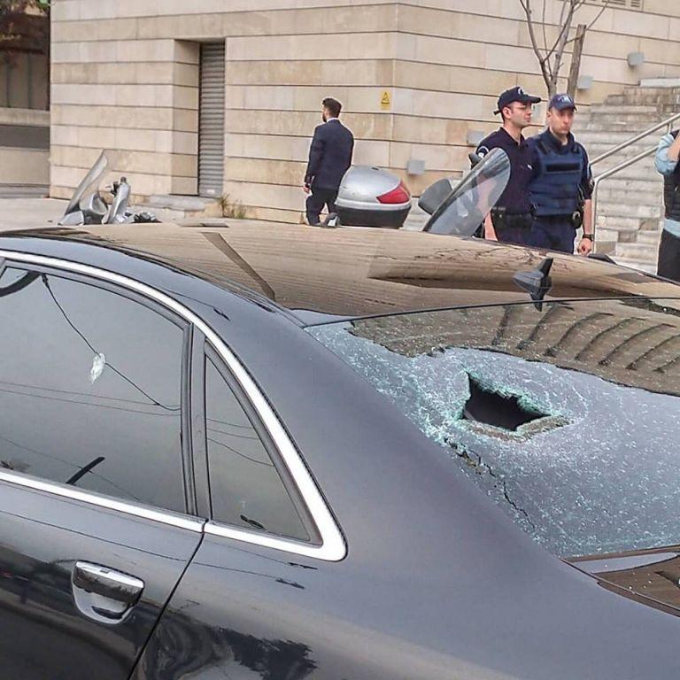 Επίθεση αντιεξουσιαστών σε εκδήλωση με Σαμαρά-Κικίλια-Κεφαλογιάννη | tovima.gr