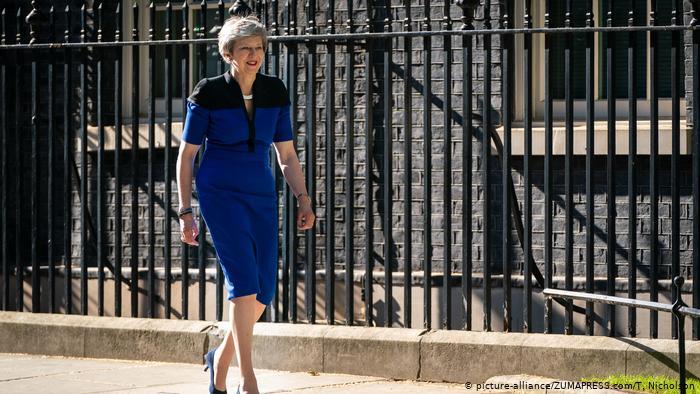 DW: Νέα πρωτοβουλία Μέι για το Brexit   tovima.gr