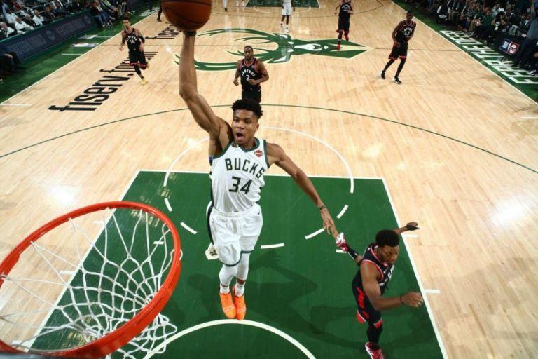 Εκπληκτικός Αντετοκούνμπο: Νίκη των Μπάκς στους τελικούς στο NBA   tovima.gr