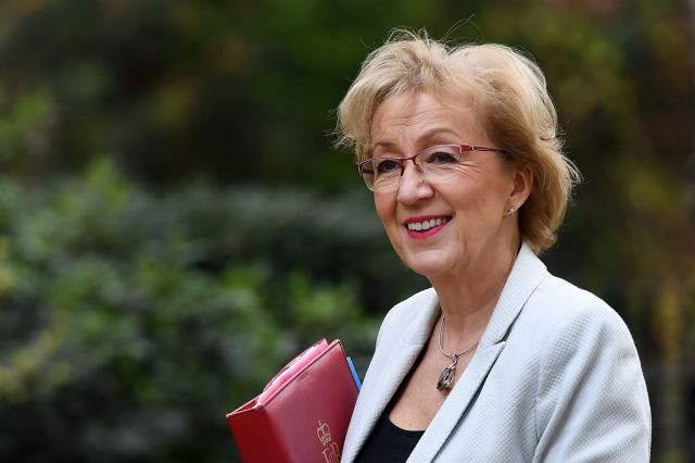 Παραιτήθηκε η επικεφαλής της Βουλής των Κοινοτήτων του Ηνωμένου Βασιλείου | tovima.gr
