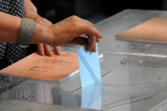 Δημοσκόπηση Metron Analysis : Στο 7,2% η διαφορά υπέρ της ΝΔ στις ευρωεκλογές | tovima.gr