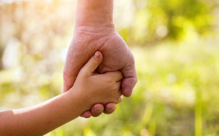 Επίδομα παιδιού: Καταβάλλεται η β΄ δόση | tovima.gr