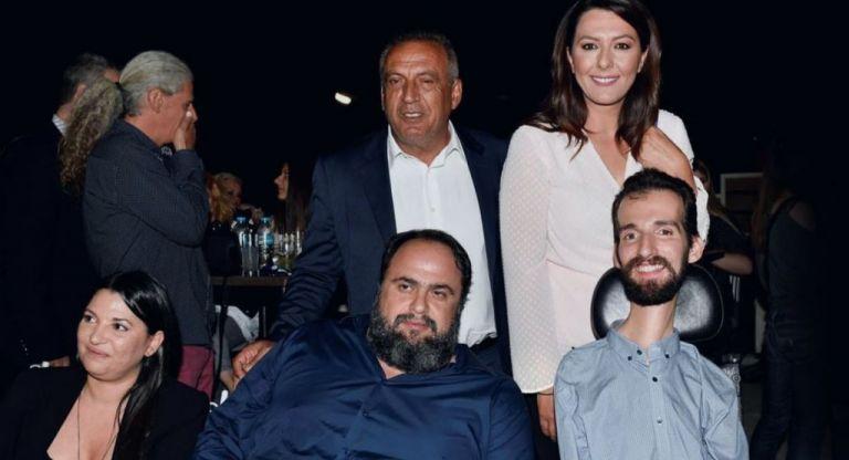 Βαγγέλης Μαρινάκης και Στέλιος Κυμπουρόπουλος μαζί στον Πειραιά | tovima.gr