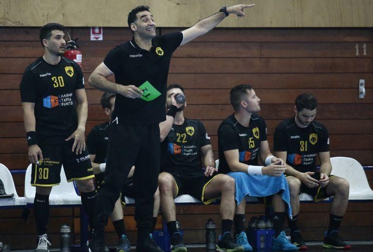 Πού απέδωσε την ήττα της ΑΕΚ από τον Ολυμπιακό ο Τρουπής | tovima.gr