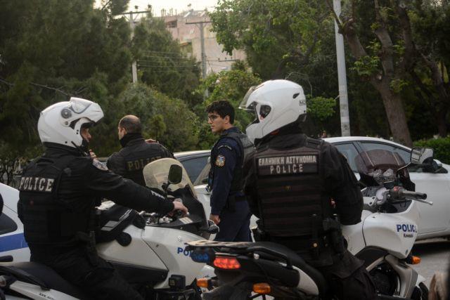 Επιχείρησε να μεταφέρει οκτώ μετανάστες  αλλά συνελήφθη | tovima.gr