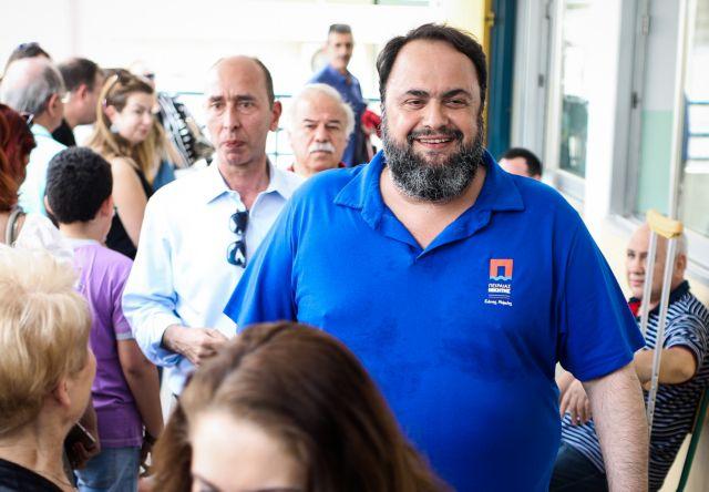Θερμή υποδοχή του Βαγγέλη Μαρινάκη στον Πειραιά | tovima.gr