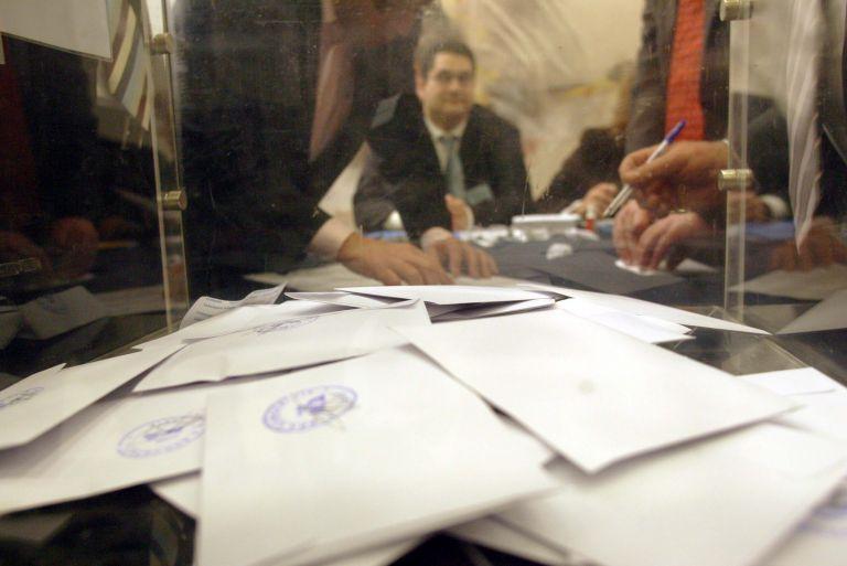«Έλληνες Ριζοσπάστες» καταγγέλλουν απουσία ψηφοδελτίων | tovima.gr