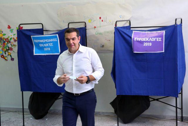 Ψήφισε ο Αλέξης Τσίπρας – «Ημέρα ευθύνης των πολλών για τα μέτρα» | tovima.gr