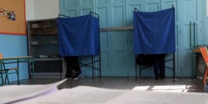 Καβγάς μεταξύ εκλογικών αντιπροσώπων στη Λαμία   tovima.gr