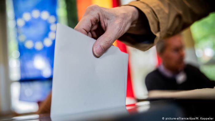 DW : Ευρωεκλογές και σενάρια πρόωρων εκλογών στη Γερμανία | tovima.gr