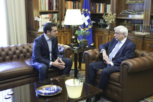 Τσίπρας: Tην Κυριακή στον Παυλόπουλο για άμεση προκήρυξη εκλογών | tovima.gr