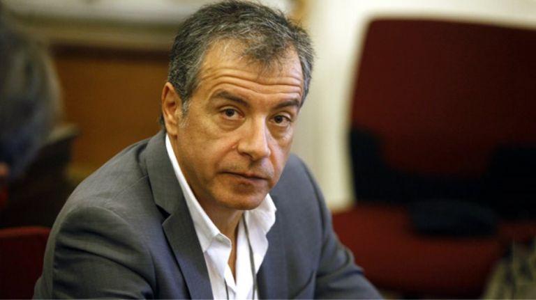 Παραιτείται από επικεφαλής του Ποταμιού ο Σταύρος Θεοδωράκης | tovima.gr